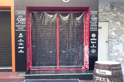 のれんカーテン式ビニールカーテンの飲食店設置例