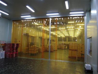 のれんカーテン式ビニールカーテンの冷凍・冷蔵倉庫設置例