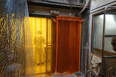 のれんカーテン式ビニールカーテンの食品加工場設置例