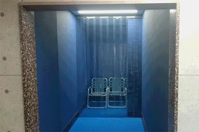 のれんカーテン式ビニールカーテンのプール設置例